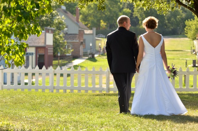 Urbandale Living History Farms Wedding Photographer